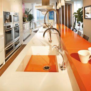 Orange-Kueche-2